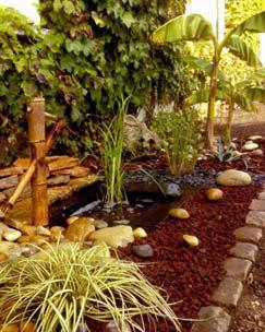 Espacio decorado con corteza de jardín